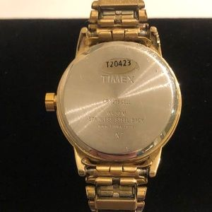 Timex Accessories - Women's Timex T20423 Easy Reader Exp Band Watch